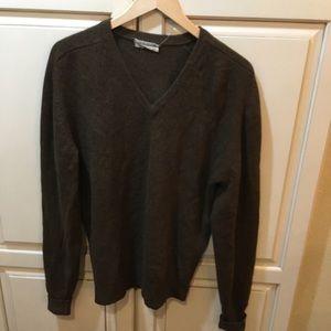 Revere 100% Pure Lambs Wool Sweater Medium V-Neck
